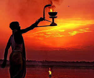 the dichotomy of the indian religious history The history of india begins with the indus valley civilization and the coming of the aryans these two phases are generally described as the pre-vedic and vedic periods the earliest literary source that sheds light on india's past is the rig veda.