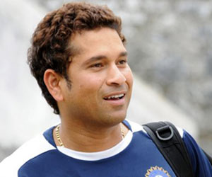 Write a biosketch of sachin tendulkar daughter
